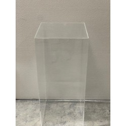HEQ8-Ghost Plinths FOR HIRE